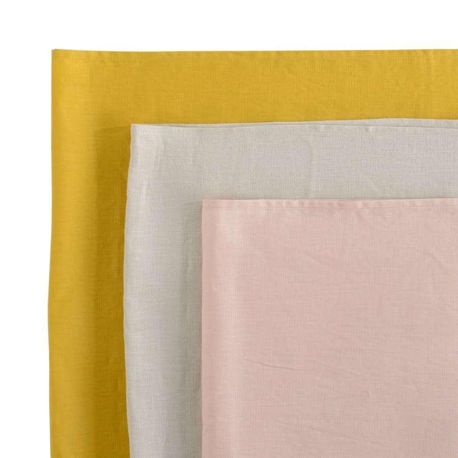 Дорожка на стол из умягченного льна с декоративной обработкой горчичного цвета TKANO TK18-TR0011