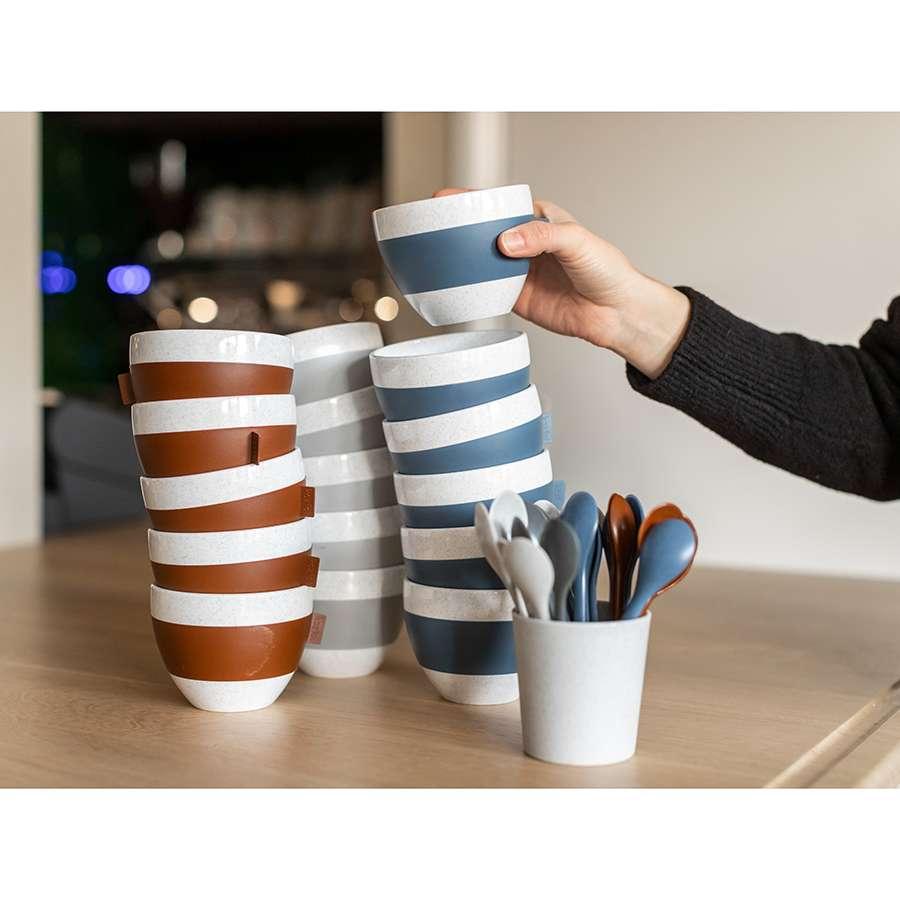 Чашка с термоэффектом AROMA M Organic 270 мл темно-серая KOZIOL 3571673