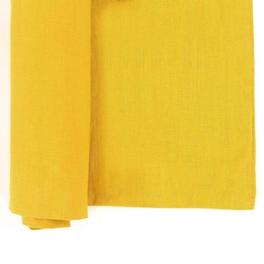 Двухсторонняя салфетка под приборы из умягченного льна с декоративной обработкой горчичного цвета TKANO TK18-PM0011