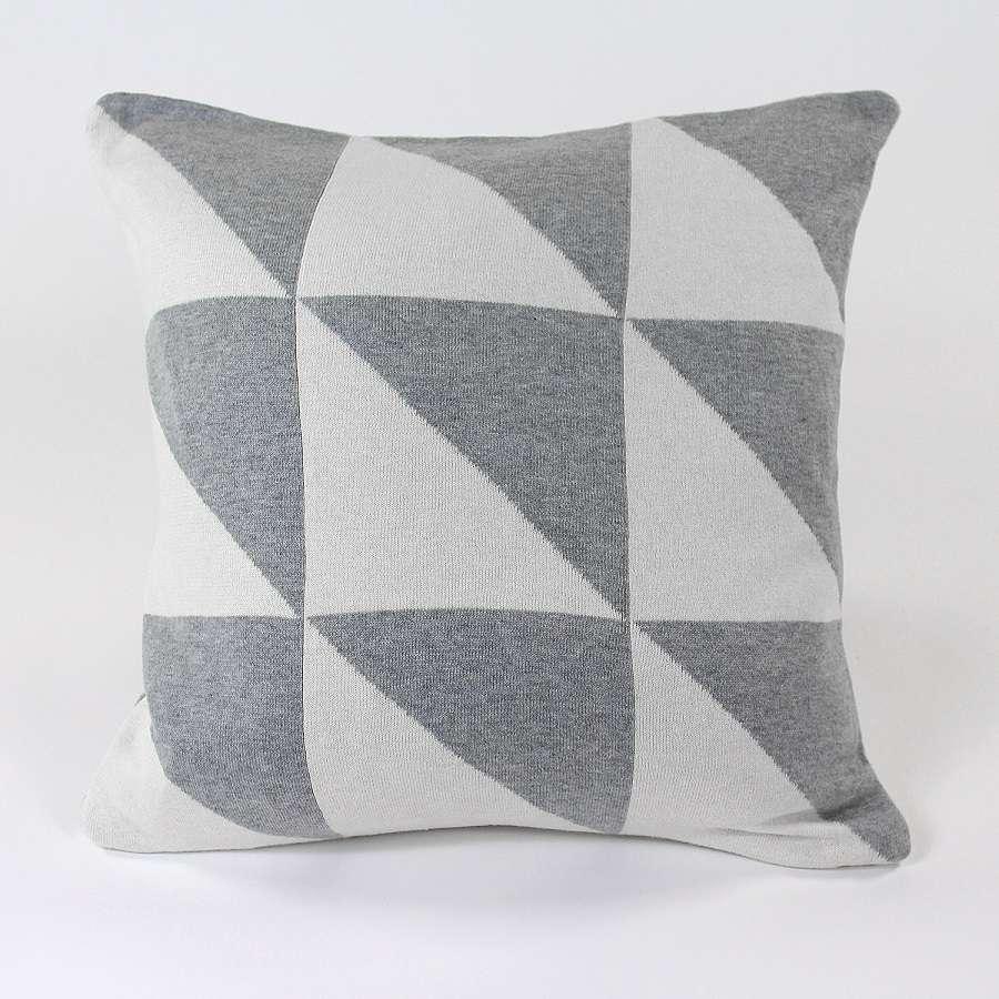 Подушка с орнаментом Geometry, 45х45 см ENJOYME  en_ny0053