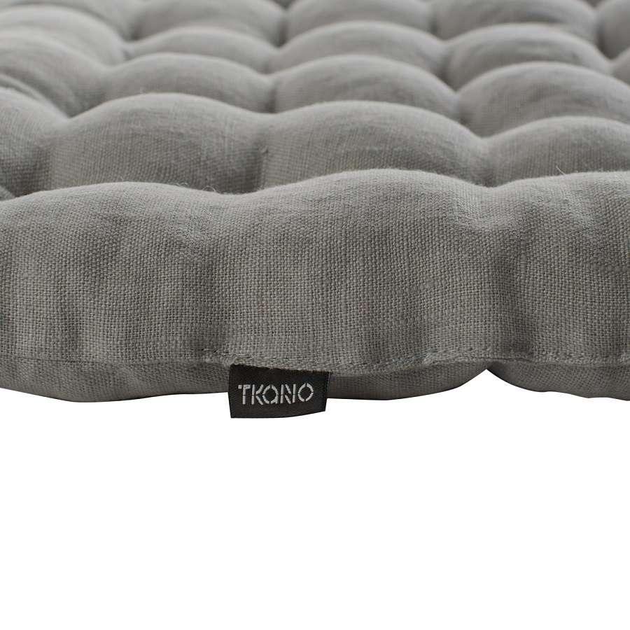 Стеганная подушка на стул из умягченного льна серого цвета TKANO TK18-CP0006